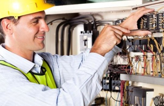 How To Get Best Electrician Training