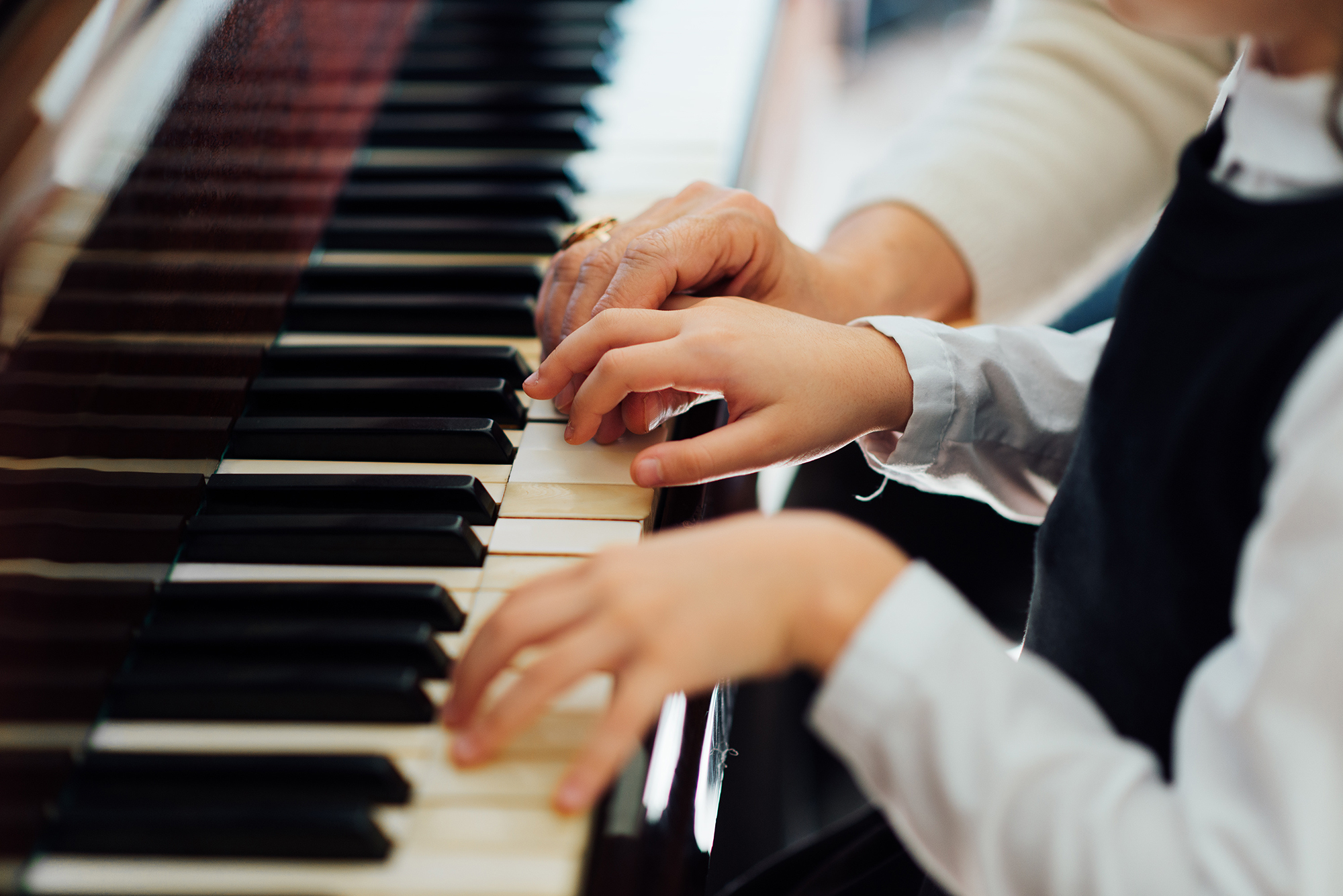 Top Piano Tracks To Listen When You Are Stressed