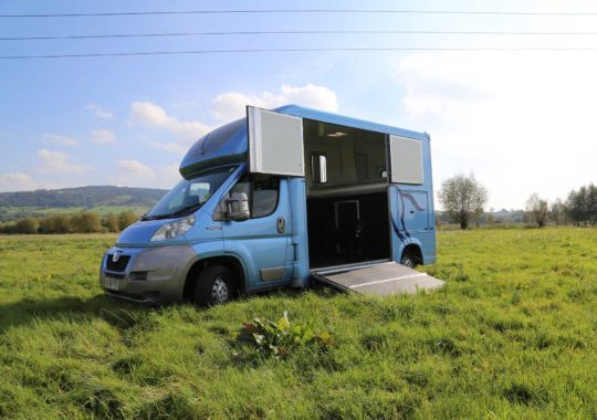 Tips For Finding An Expert Of Horsebox Financing