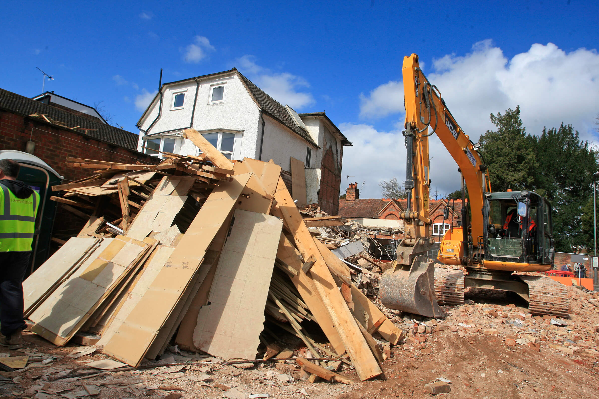 Top Tips To Hire The Dependable Demolition Service Providers